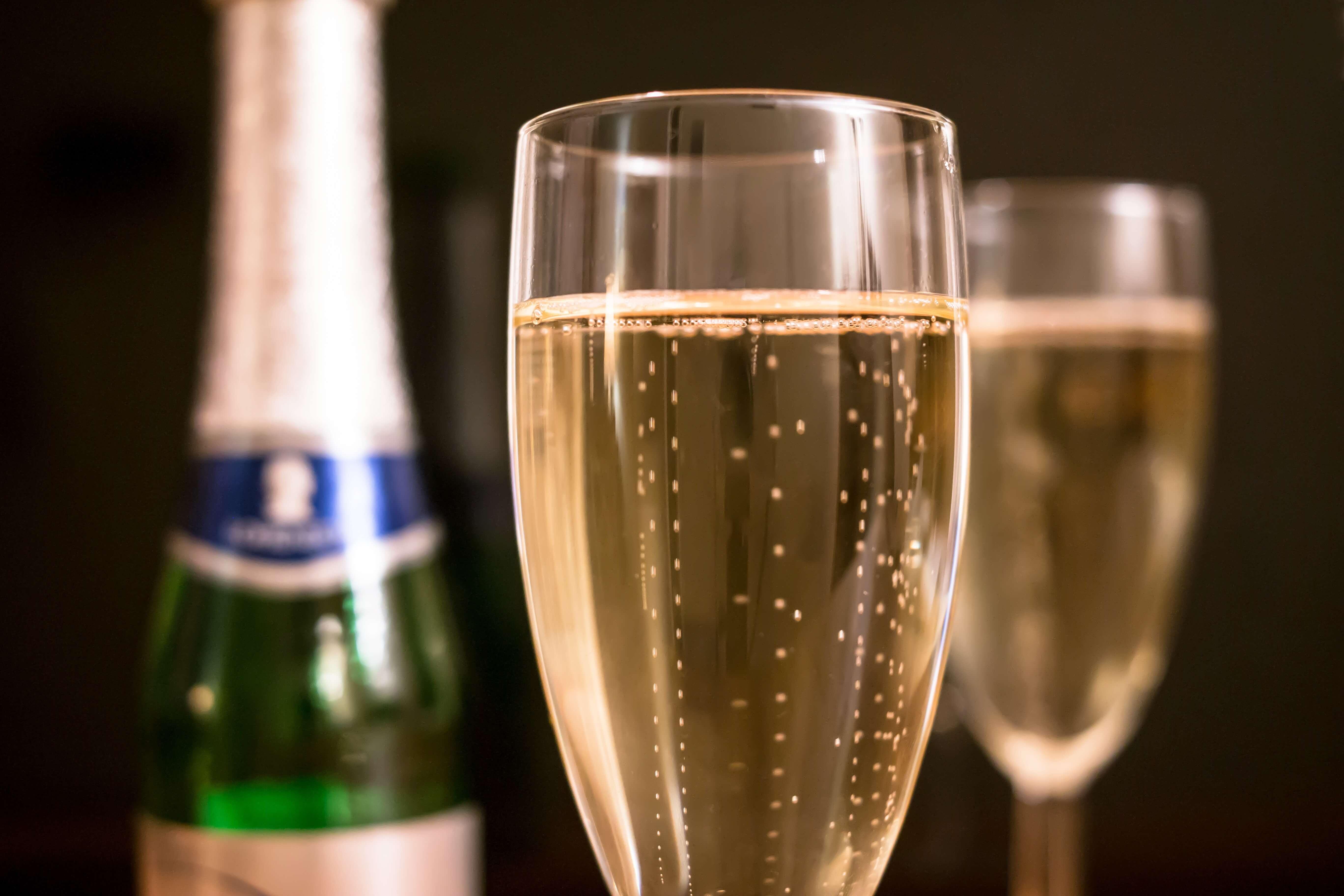 Маски для лица с шампанским