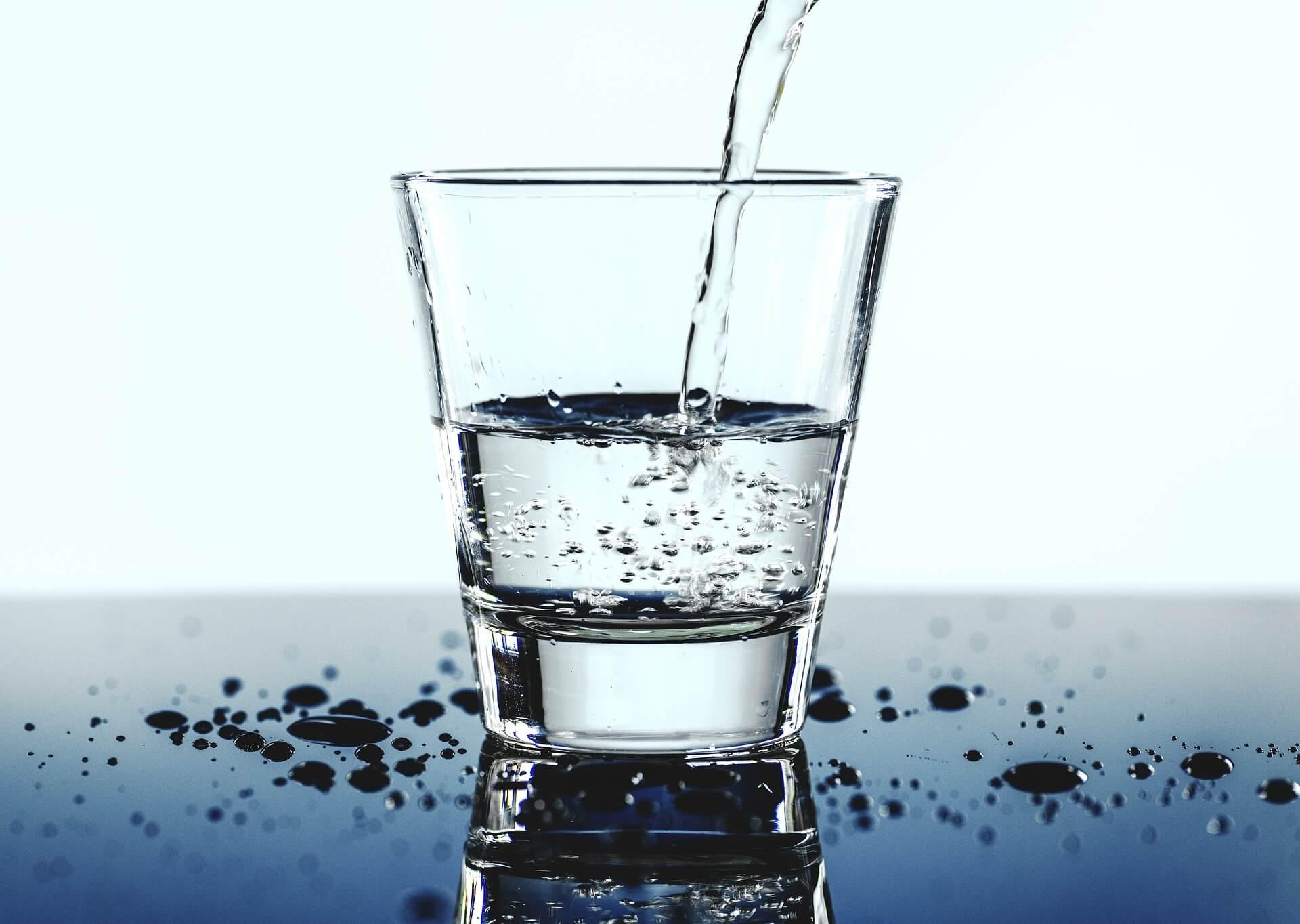 Сколько нужно пить воды, чтобы похудеть без строгих диет